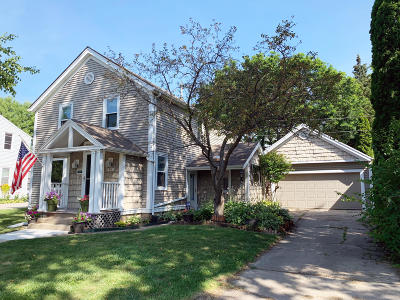 Milwaukee WI Single Family Home For Sale: $289,900