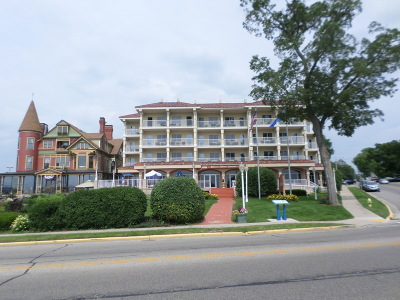 Lake Geneva Condo/Townhouse For Sale: 335 Wrigley Dr #409