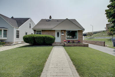 Milwaukee Single Family Home Active Contingent With Offer: 144 S 71st St