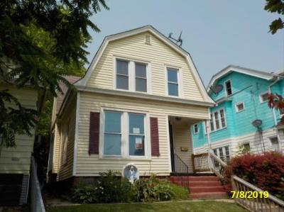 Milwaukee Single Family Home For Sale: 1229 S 24th St