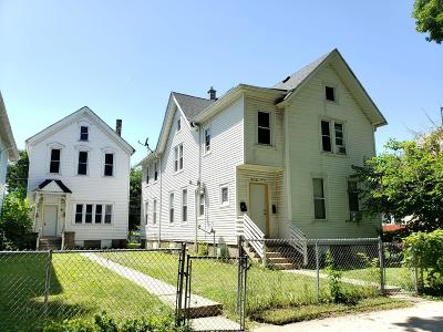 Milwaukee Multi Family Home Active Contingent With Offer: 1119 S 20th St #1121