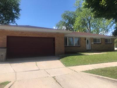 Milwaukee Single Family Home For Sale: 8027 W Casper St