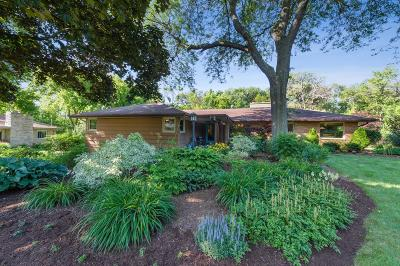 Milwaukee County Single Family Home For Sale: 155 W Bergen Dr