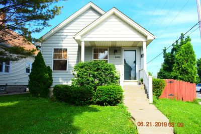 Milwaukee Single Family Home For Sale: 3480 S 15th Pl