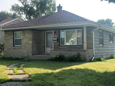 Milwaukee Single Family Home Active Contingent With Offer: 4575 N 66th St