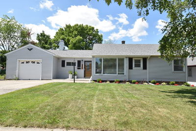 Milwaukee Single Family Home For Sale: 4807 S 22nd Pl