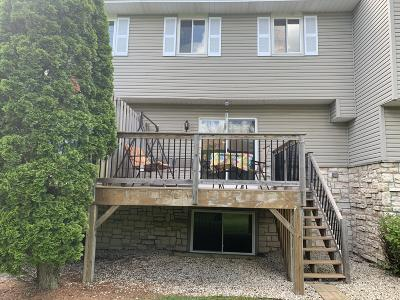 Germantown Condo/Townhouse Active Contingent With Offer: W163n11506 Windsor Ct #D