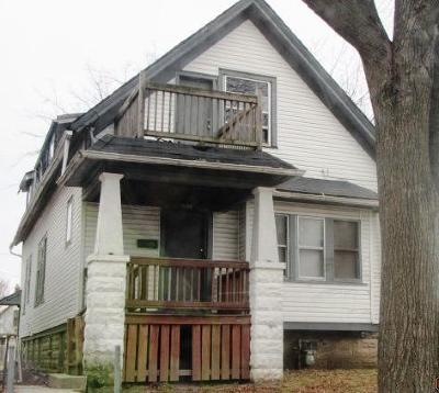 Milwaukee Single Family Home For Sale: 2553 N 14th St