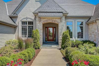 Oconomowoc Single Family Home For Sale: W383n6500 Woodlake Cir