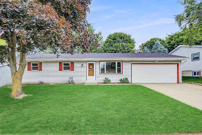 West Bend Single Family Home Active Contingent With Offer: 1610 Annie St