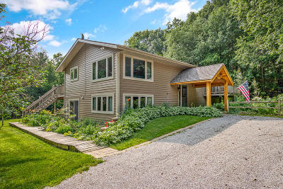 Hartford Single Family Home Active Contingent With Offer: 6565 Druid Lake Rd