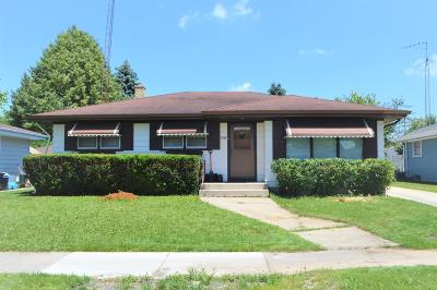 Kenosha Single Family Home Active Contingent With Offer: 1561 16th Ave