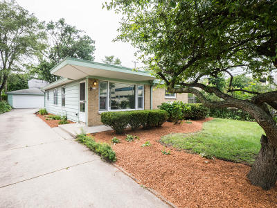 Wauwatosa Single Family Home Active Contingent With Offer: 2259 N 105th St