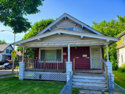 Milwaukee Single Family Home For Sale: 1532 W Concordia Ave