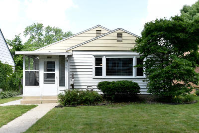 Milwaukee Single Family Home For Sale: 2963 N 90th St