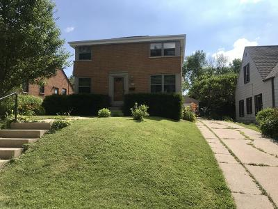 Milwaukee Single Family Home For Sale: 4478 S Pine Ave