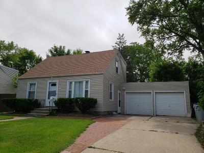 Milwaukee Single Family Home Active Contingent With Offer: 3545 S 87th St