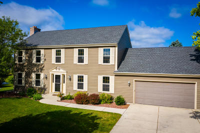 Port Washington Single Family Home Active Contingent With Offer: 309 Regatta Dr