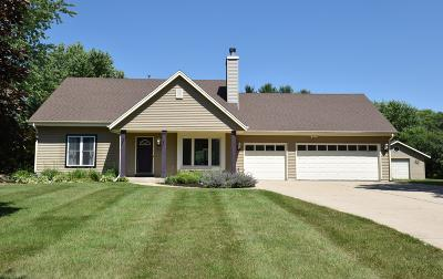 Single Family Home For Sale: W361s2718 Lisa Ln