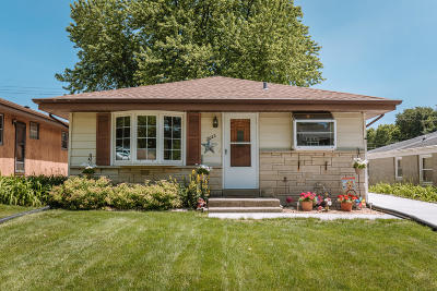 Single Family Home For Sale: 2022 N 113th St