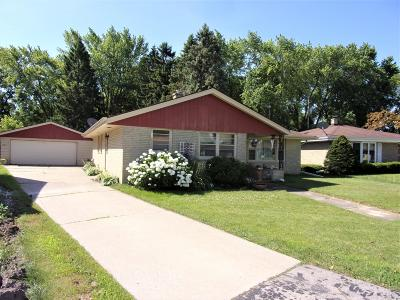 Racine Single Family Home For Sale: 3209 Wheelock Dr
