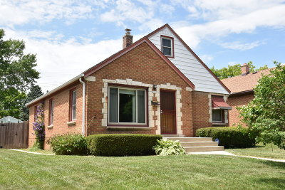Milwaukee County Single Family Home Active Contingent With Offer: 4273 N 72nd St