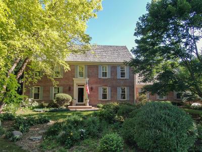 Single Family Home For Sale: N12w29696 Southhampton Dr