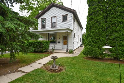 Waukesha Single Family Home For Sale: 227 Randall St