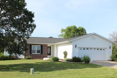 West Salem Single Family Home For Sale: W4220 Ceresa Dr