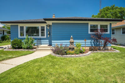 Kenosha Single Family Home Active Contingent With Offer: 1914 25th St