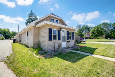 Menomonee Falls Single Family Home Active Contingent With Offer: W165n9087 Hale Ave