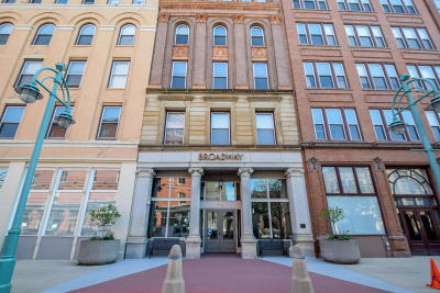 Milwaukee County Condo/Townhouse For Sale: 234 N Broadway #307