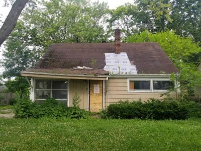 Milwaukee Single Family Home For Sale: 5239 N 45th St