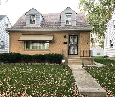 Milwaukee Single Family Home For Sale: 7074 W Beckett Ave
