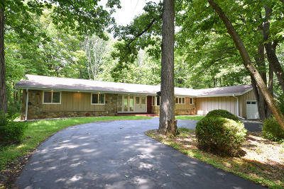 Bayside Single Family Home For Sale: 9401 N Sleepy Hollow Ln