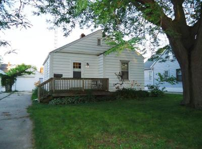 Kenosha Single Family Home Active Contingent With Offer: 5713 35th Ave