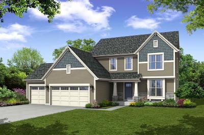 Waukesha Single Family Home For Sale: 137 Scarlet Oak Ln