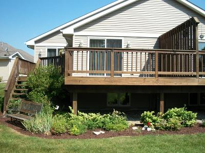 West Bend Condo/Townhouse For Sale: 3385 Caleb Ct