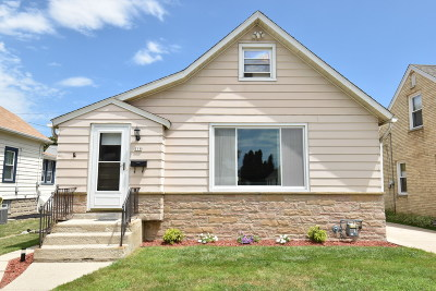 Milwaukee Single Family Home For Sale: 118 N 70th St