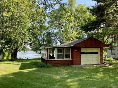 West Bend Single Family Home For Sale: 3057 Smith Lake Rd