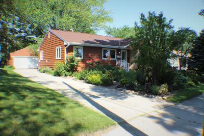 West Bend Single Family Home For Sale: 636 James Ct