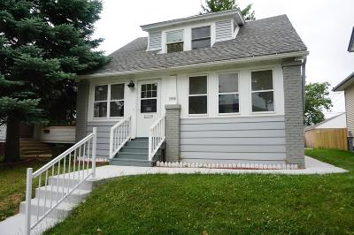 Milwaukee Single Family Home For Sale: 3418 S 18th St