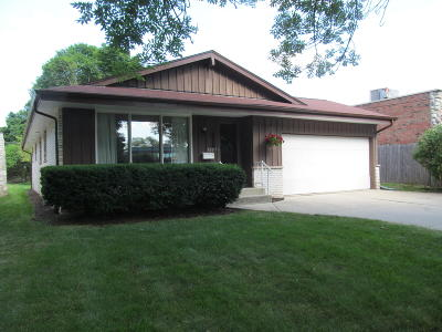 Milwaukee County Single Family Home For Sale: 520 N 77th St