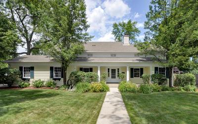 Racine Single Family Home For Sale: 318 S Vincennes Cr