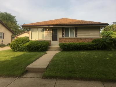 Milwaukee Single Family Home For Sale: 8304 N 106th St