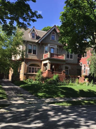 Milwaukee Single Family Home For Sale: 3014 W McKinley Blvd