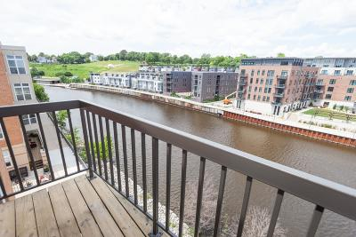 Milwaukee WI Condo/Townhouse For Sale: $280,000