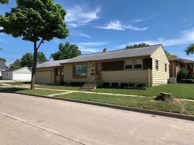 Milwaukee Single Family Home For Sale: 7829 W Melvina St