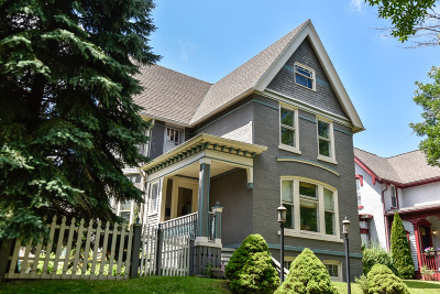 Milwaukee Single Family Home For Sale: 1917 N 5th St