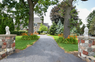 Waukesha County Single Family Home For Sale: W272s2137 Merrill Hills Rd
